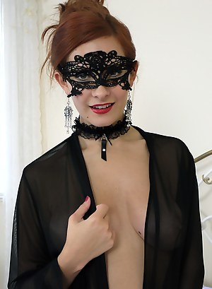 Blindfold Porn Pictures